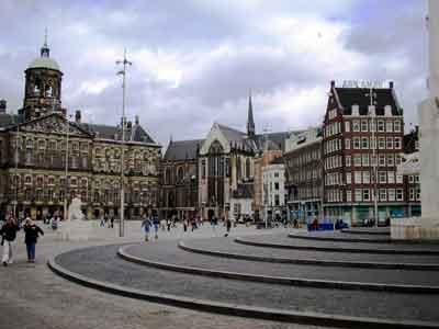 Tutti in piazza dam il centro di amsterdam for Ostello amsterdam piazza dam